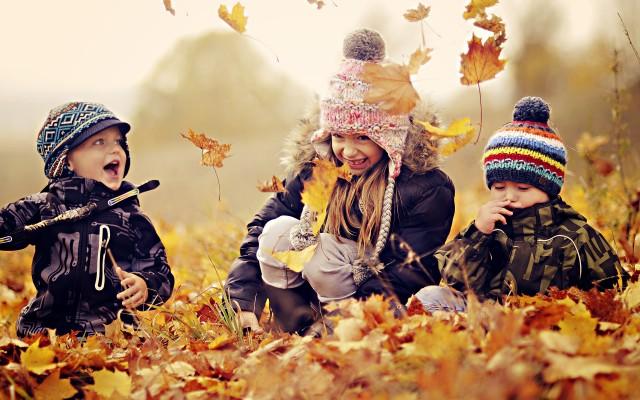 kids-in-leaves-640x400.jpg